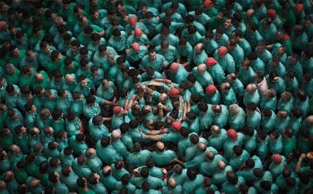 human-towers-catalonia-david-oliete-3